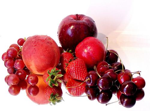trái cây màu đỏ giúp phòng tránh ung thư hiệu quả