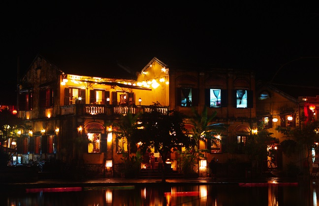Đêm về trên phố cổ Hội An - Quảng Nam