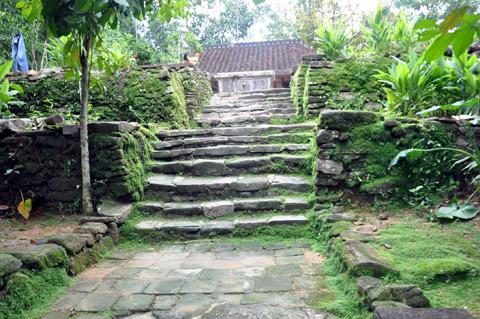 Ngõ đá trăm tuổi ở xứ Quảng