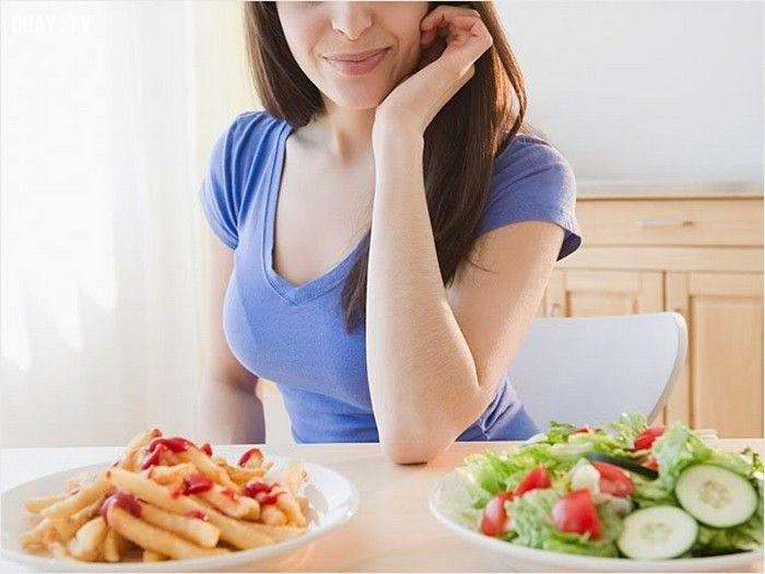 Lượng calo cho phép giảm hàng ngày là 300kcal