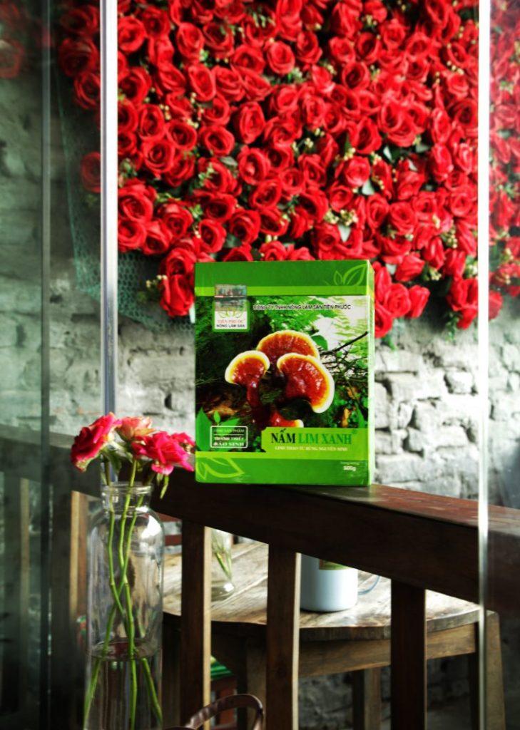 Giá nấm lim xanh tự nhiên trên thị trường của công ty TNHH Nông - Lâm - Sản Tiên Phước được niêm yết công khai.