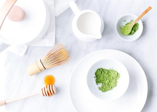 Sử dụng mặt nạ hỗn hợp từ bột trà xanh