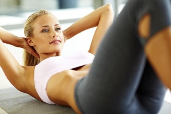Với bài tập gập cơ bụng giúp giảm mỡ nhanh chóng