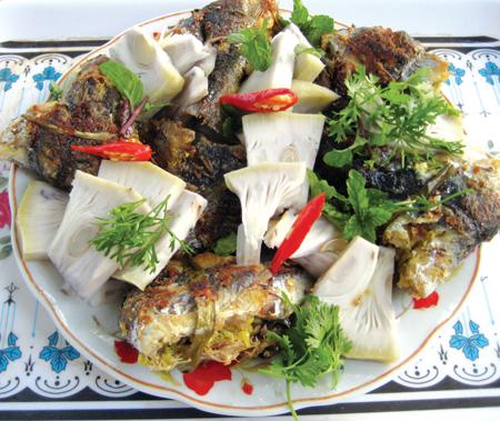 Cá chuồn kho món ăn không thể thiếu của người dân xứ Quảng