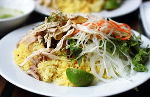 Hình ảnh hấp dãn của món cơm gà Quảng Nam