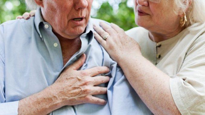 Người cao tuổi lười vận động có thể dẫn đến bệnh mỡ máu