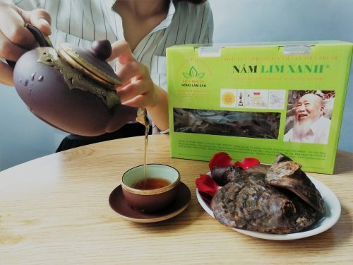 Người tiêu dùng nên mua loại nấm lim xanh đã qua chế biến để sử dụng giúp đảm bảo sức khỏe và đem lại hiệu quả chữa bệnh tốt nhất.