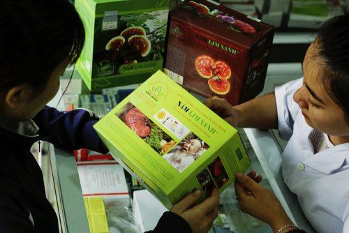 Nên chọn mua nấm lim xanh rừng đã qua chế biến để đảm bảo sức khỏe.